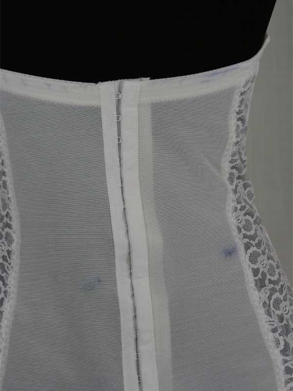 large-white-lace-bustier-back-closeup