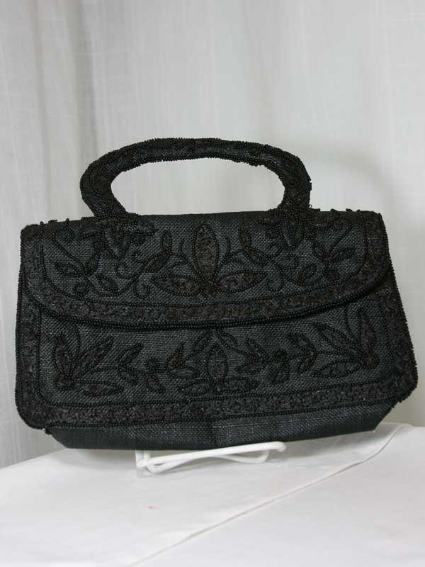 black-bead-purse-front