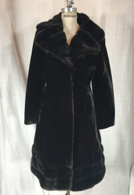 la boudoir 70s faux fur coat (6)