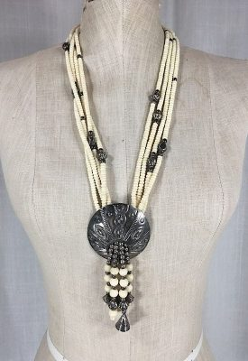 la-boudoir-miami-1970s-shell-bead-necklace-3