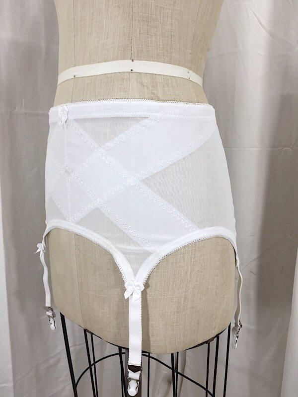 la-boudoir-miami-1950s-white-skirt-girdle-2