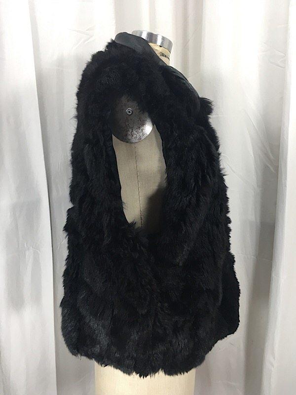 la-boudoir-miami-black-apossum-fur-vest-7