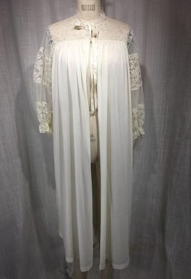 la boudoir miami vintage 1950s beige lace robe puff sleeves (1)
