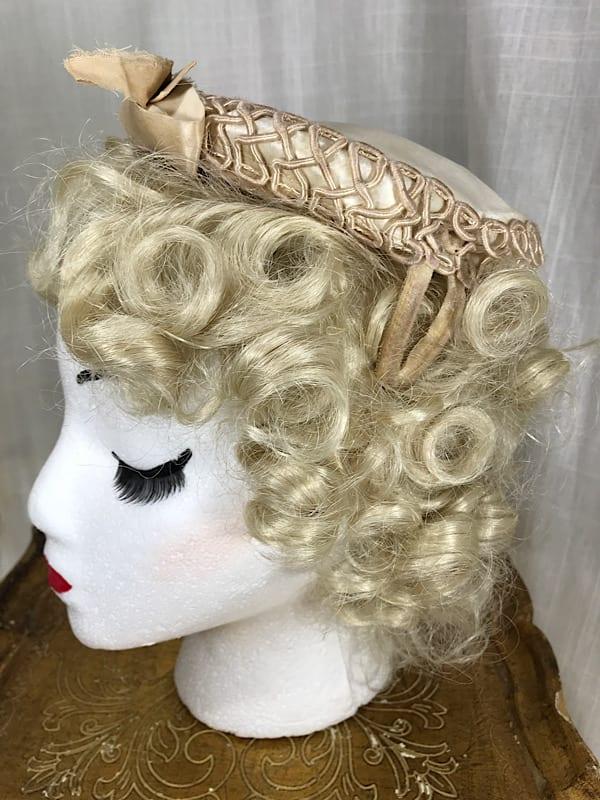 la boudoir miami vintage 1950s off white satin and lace bride hat (4)