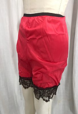 la boudoir miami vintage 1970s red and black lace bloomers (4)
