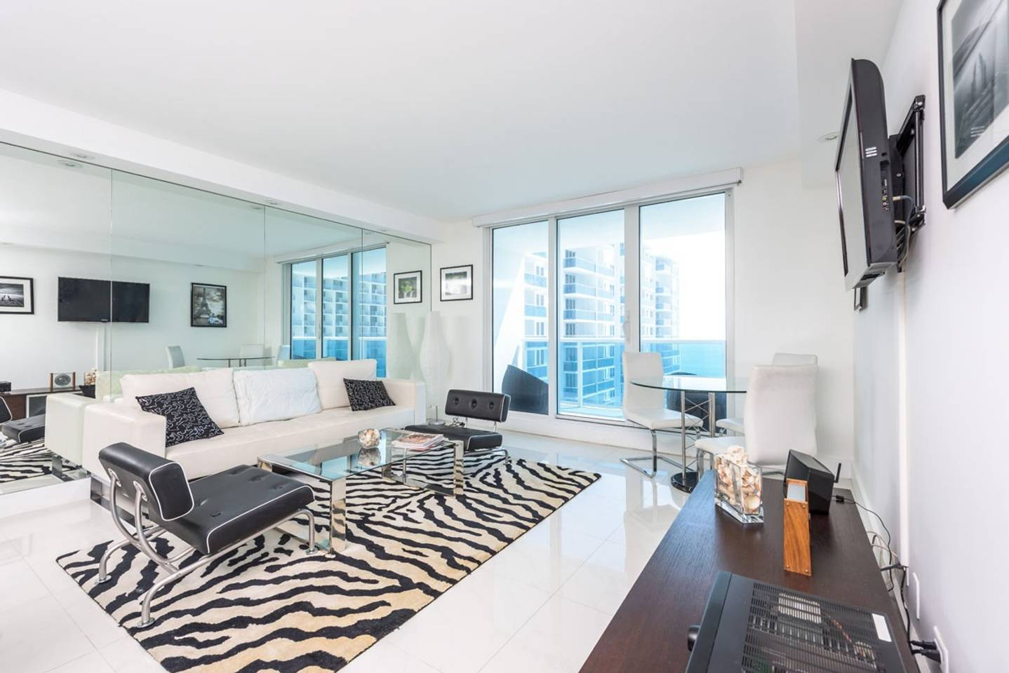 Large 2BR Oceanfront at Roney Palace South Beach - 21188417