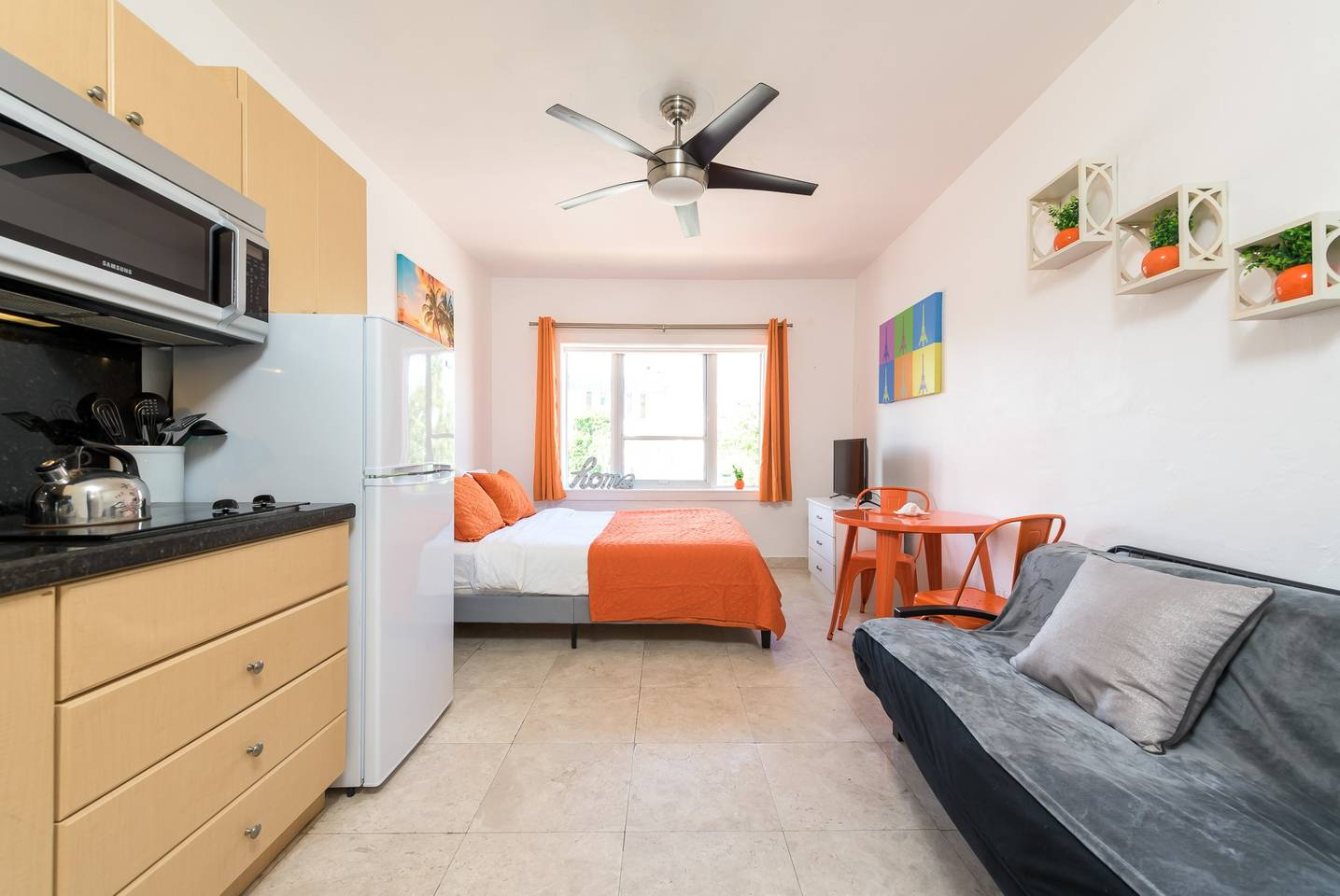 Mantell-Plaza-Studio-with-Pool-2-mins-to-the-Beach-26255680-01