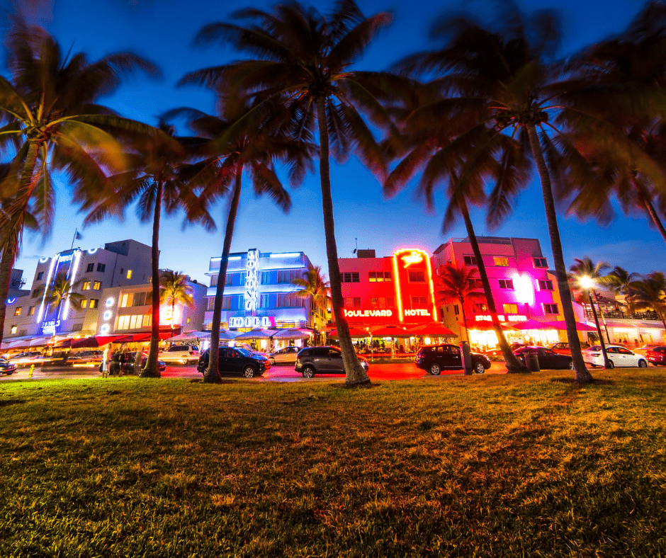 art deco architecture style at ocean drive south beach
