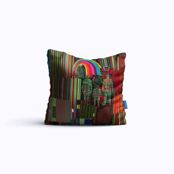 05-New-HorizonsWEB-pillow01